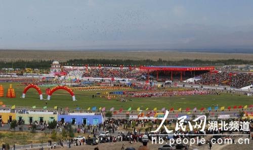 博乐赛马场——新疆最大的赛马场 -湖北对口援疆地 博州的自然文化景
