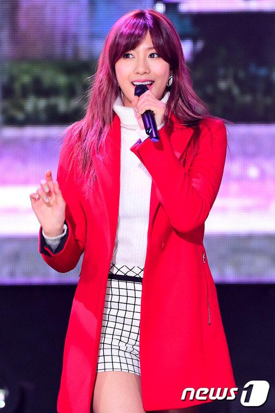 T ara韩国舞台大跳小苹果舞 妮可变性感女王