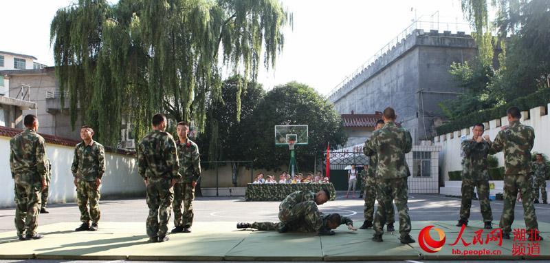 湖北咸丰 体验军营生活 共迎 八一 建军节