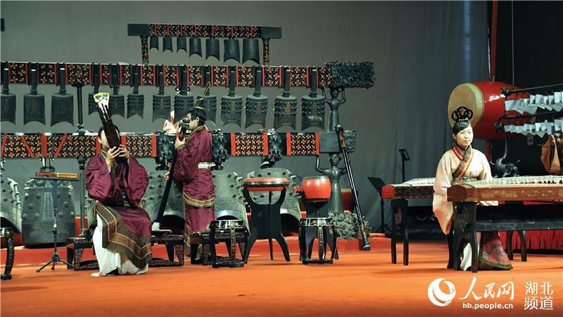 湖北省博物馆v视频气视频打鱼科技活起来-文物融入机