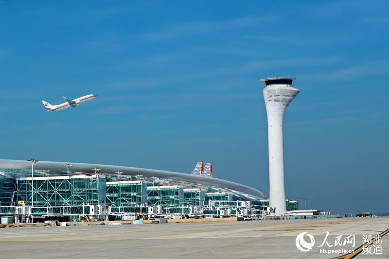 武汉天河机场T3航站楼启用满月 旅客安检等待时间小於4分钟