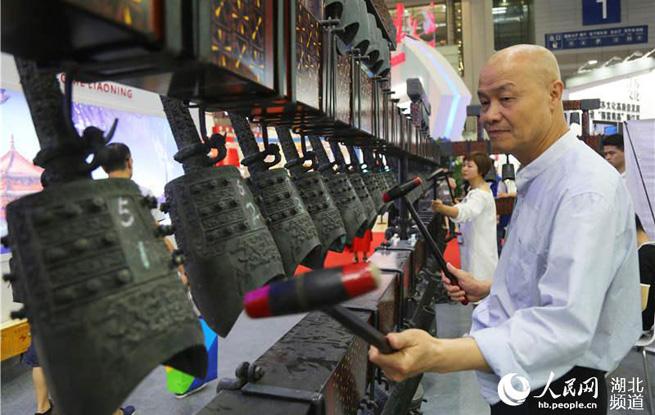 文化鄂军闪耀第十四届中国(深圳)文博会
