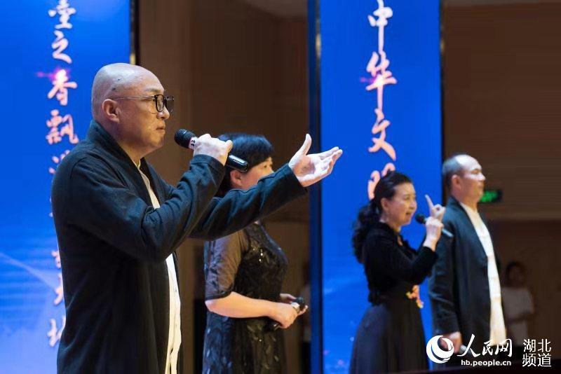 贾军、席冲、广亚平、萧琳朗诵《生死交响》