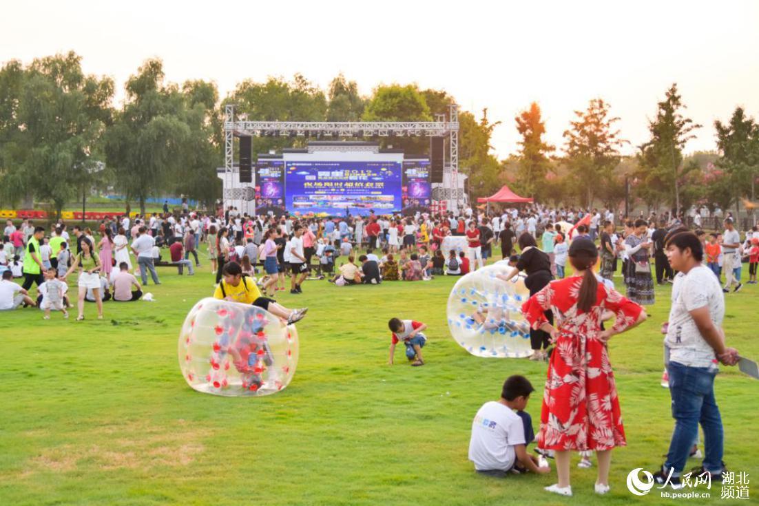 紫薇嘉年华邀武汉市民来夏夜游园打卡