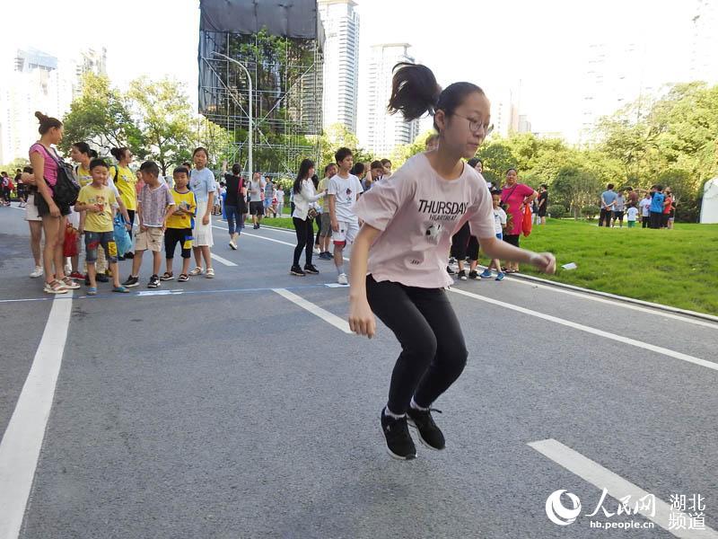 亲子趣味运动会丰富少年儿童暑期文体生活