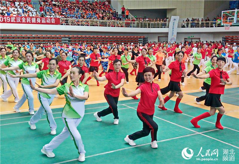 与军运同行 武汉全民健身让市民动起来【2】