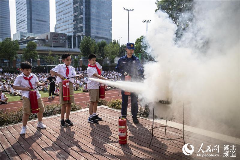"""武汉3000师生共上""""消防安全开学第一课""""【4】"""