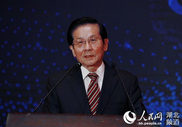 贺铿:武汉是研发5G技术的最佳地方