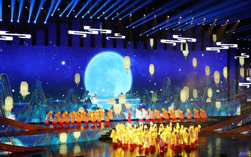 第十(shi)二�弥�(zhong)��(guo)�L江三�{��(guo)�Hshi)糜�^���潘�chang)�_(kai)幕