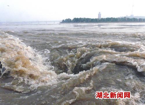 汉川山西迎战汉江高中洪峰3万人上特大民办堤防v高中湖北图片