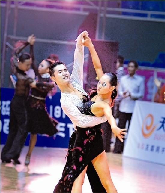 拉丁舞比赛标准发型分享展示图片